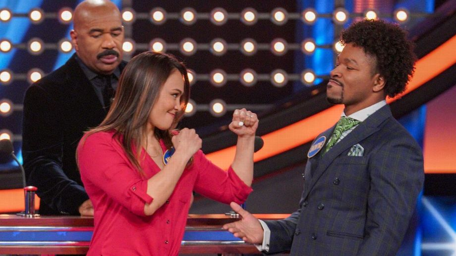 """UFC strawweight Michelle Waterson was ready for battle, but welterweight boxer Shawn Porter and his WBC teammates had the last word on """"Celebrity Family Feud."""""""