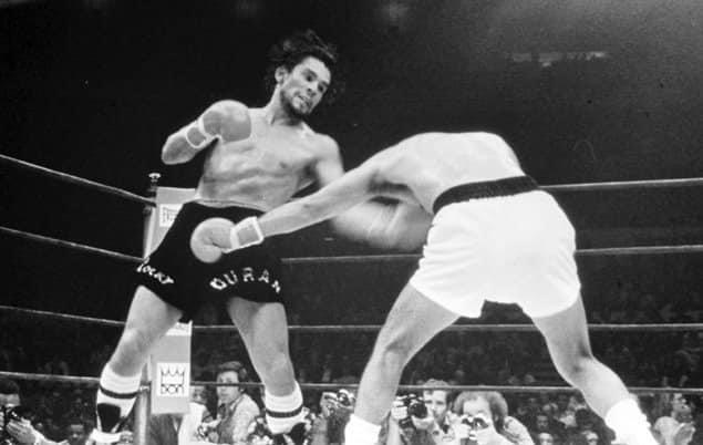 Roberto Duran (L) pummeling former welterweight champion Carlos Palomino (R) in their 1979 bout at Madison Square Garden.
