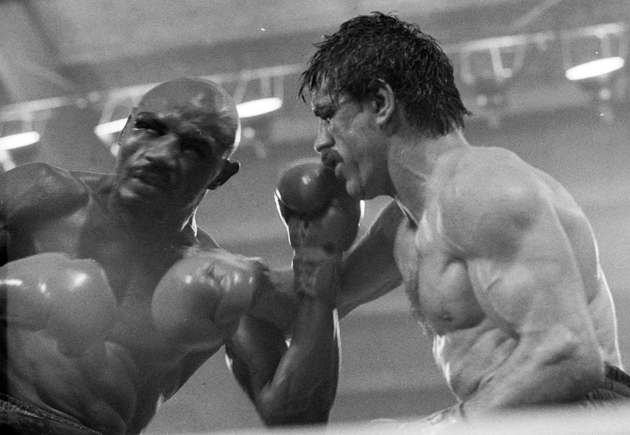 Hagler (L) and Antuofermo (R) slug it out in their first fight that ended in a draw.
