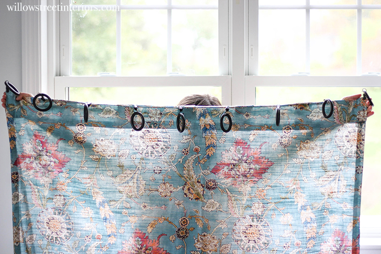 how to space curtain clips