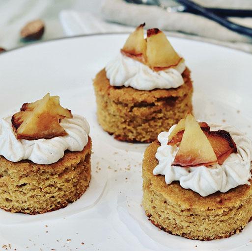 Honey Crisp Apple Cakes