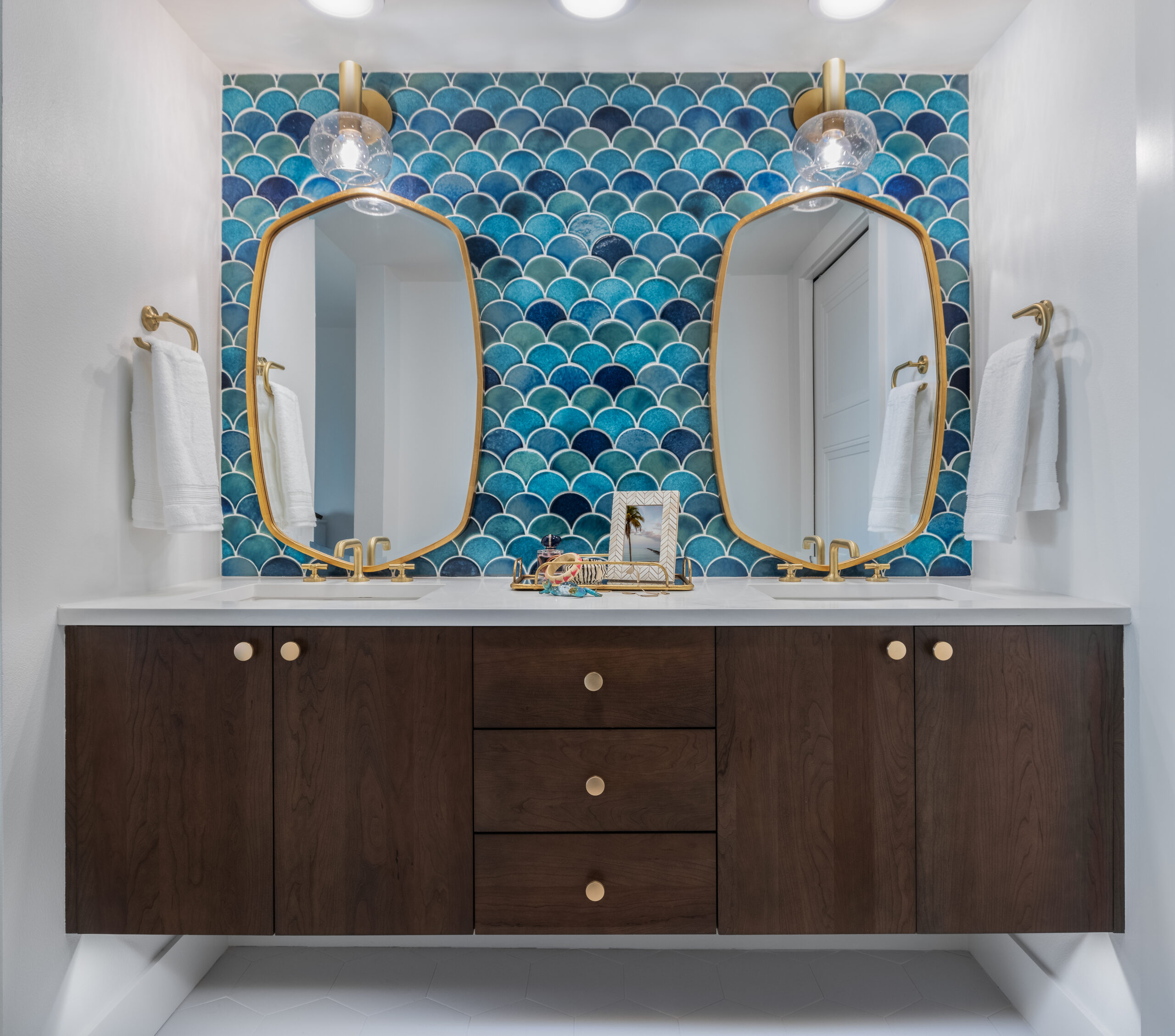orange moon interiors master bathroom longboat key