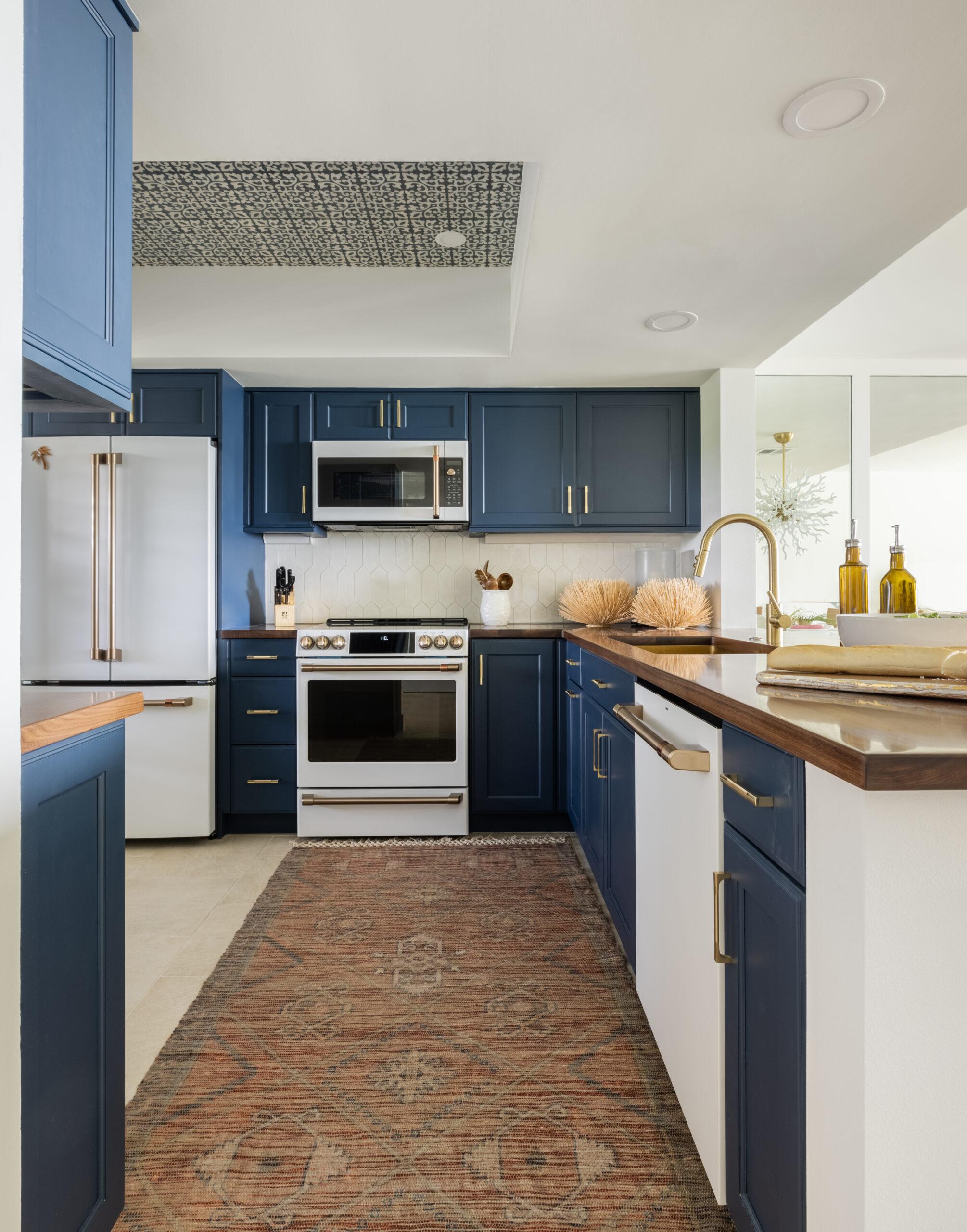orange moon interiors kitchen longboat key