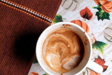 pumpkin spice latte, fall weather, pumpkin latte, pumpkin recipes, plant based recipes, vegan recipes, plant based drink recipes, vegan coffee recipes, plant based coffee recipes, coffee recipes, healthy coffee recipes, pumpkin spiced, vegan latte, plant based latte, fall drinks, thanksgiving drinks, halloween drinks, starbucks pumpkin spiced latte, dairy free pumpkin spiced latte, dairy free coffee