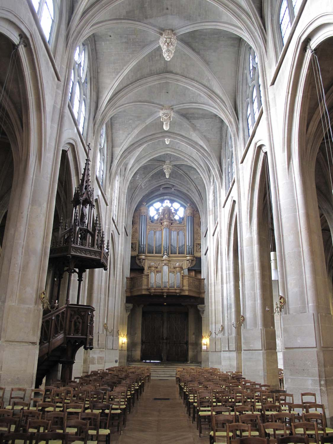 The aisle of Saint-Laurent