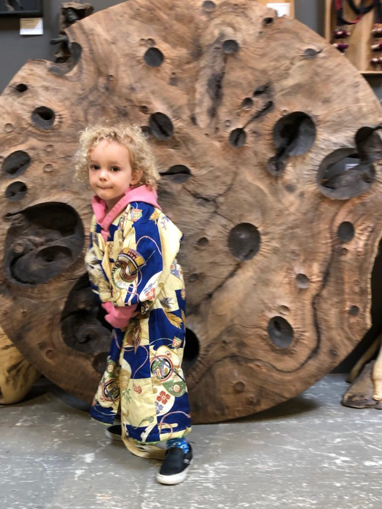 Vintage, authentic hand woven and hand painted, dyed and brocade Japanese kimonos. Wide selection of women's, mens's, fancy and casual wear.