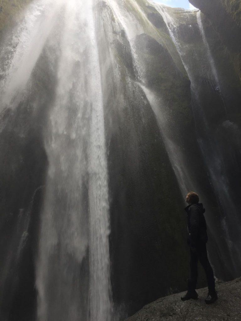 gljúfrabúi-waterfall-iceland-travel-diary