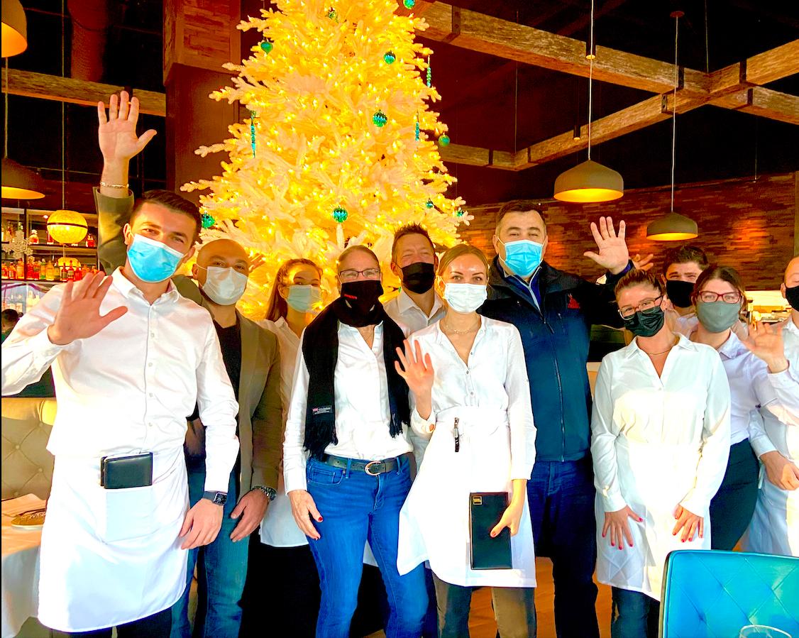 KJB Trending restaurants Alba, Alba on 53 end year of pandemic donating $35,000 in Christmas Eve bonuses to staff