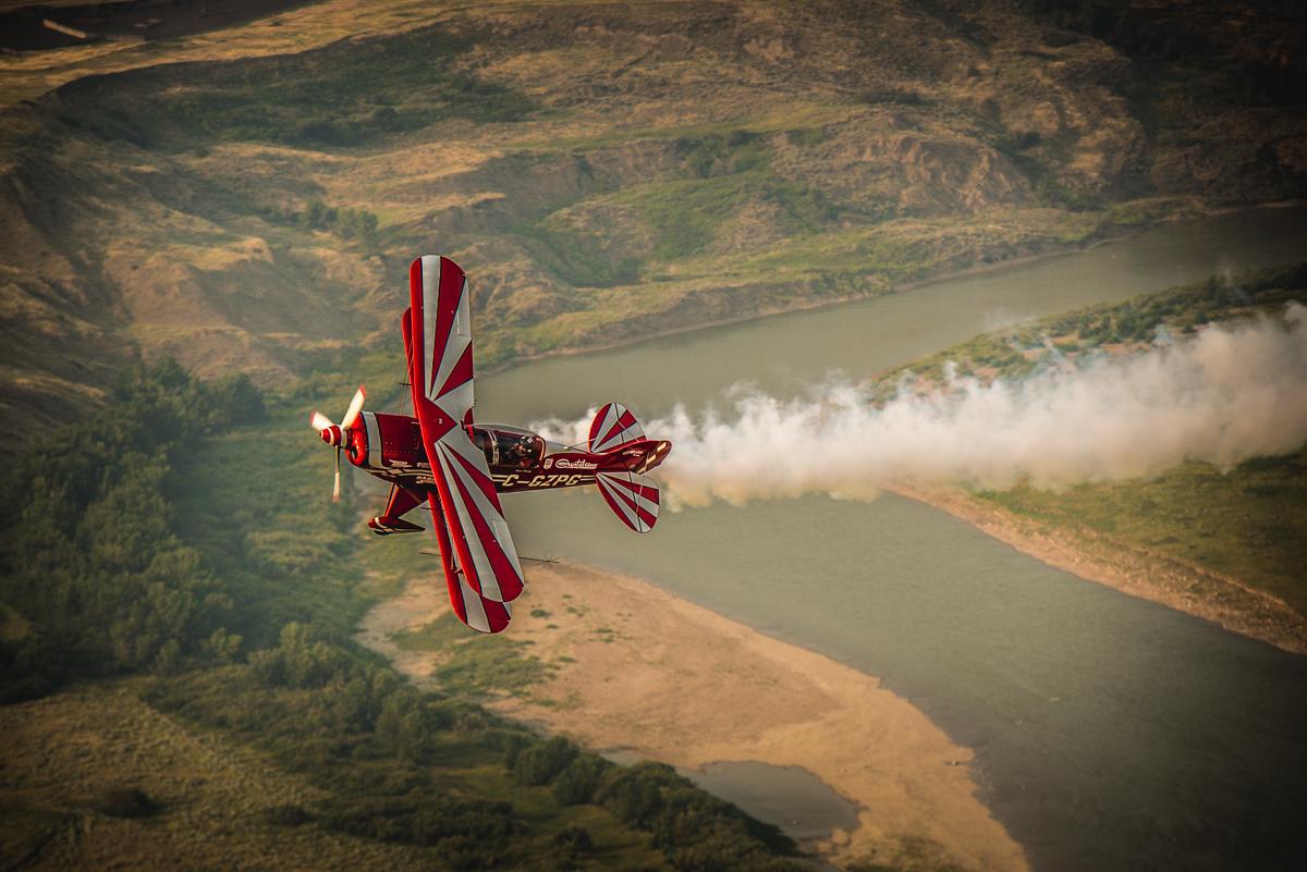 little red air plane