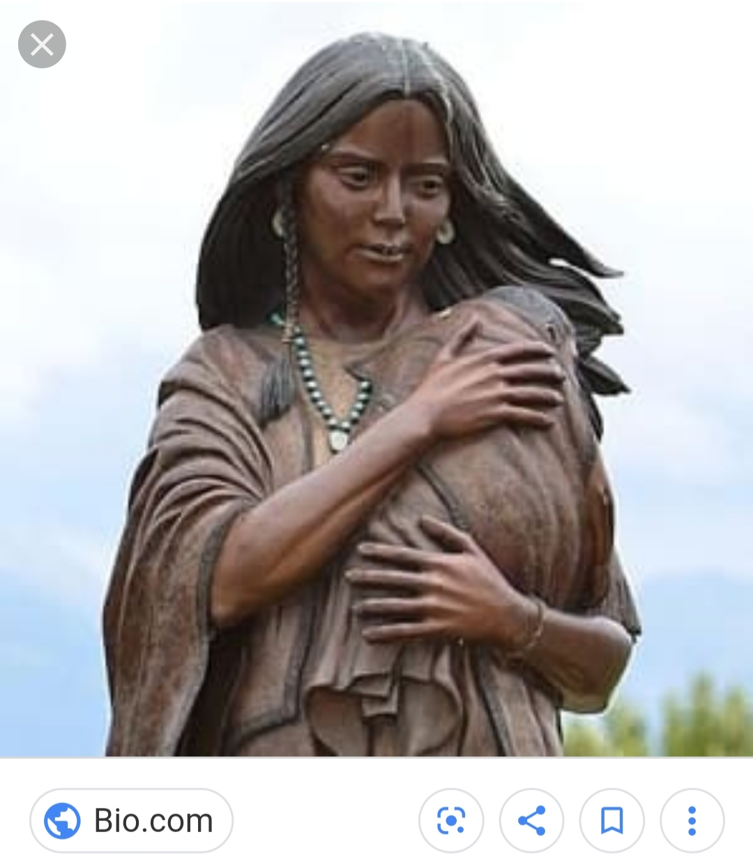 Statue of Sacagawea holding her son Jean Baptiste