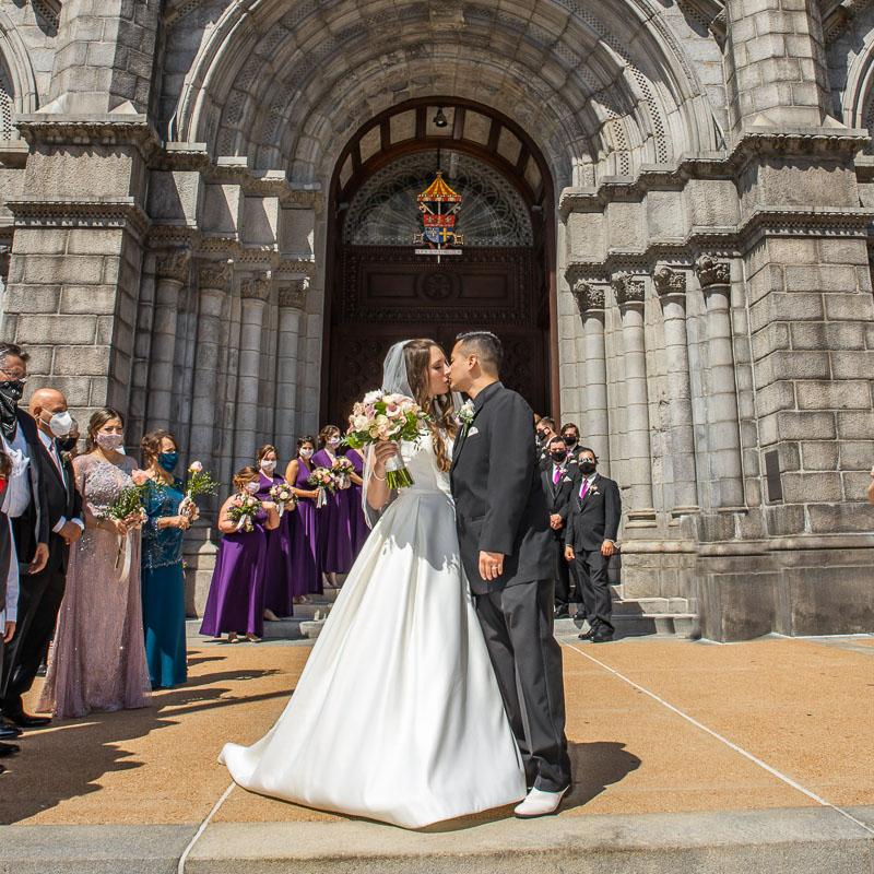 Link into Amanda and Joe's wedding gallery