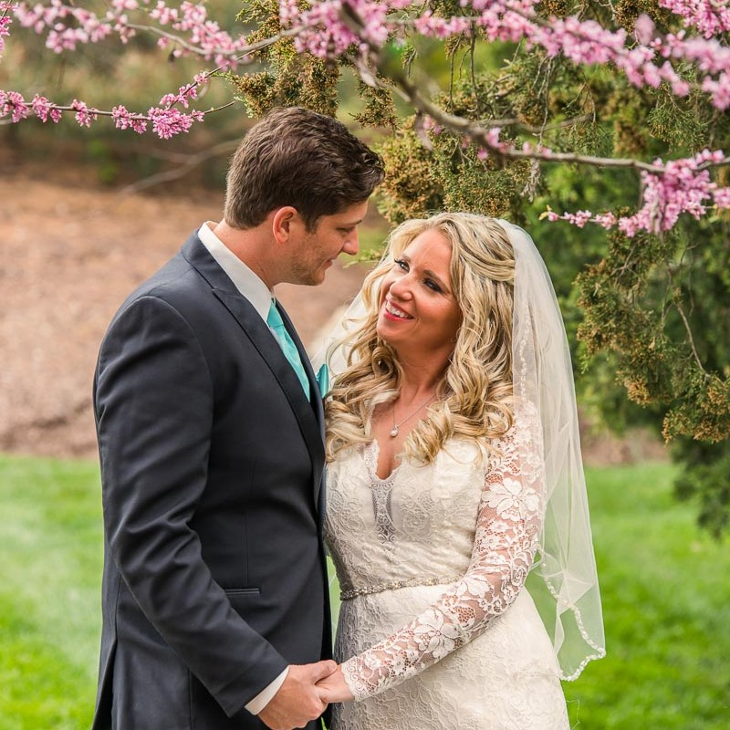 link to greater St. Louis area wedding photography gallery of Jenna and Josh