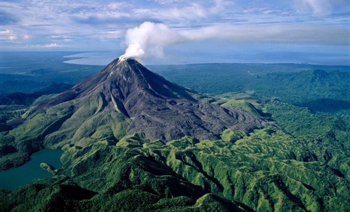 hike-an-active-volcano