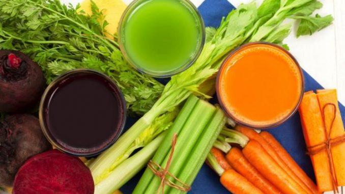 Maravilloso Jugo Antienvejecimiento de Zanahoria, Apio y Remolacha