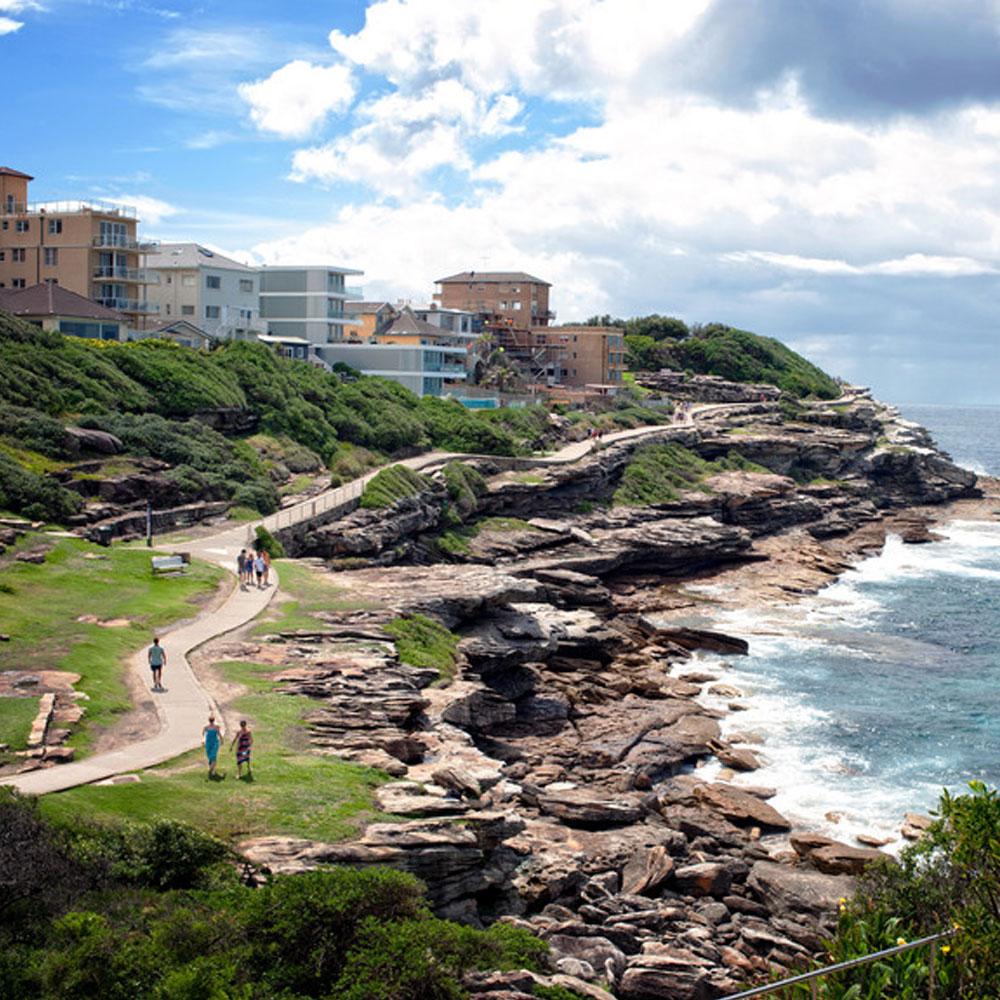 bondi to coogee coastal walk trail running