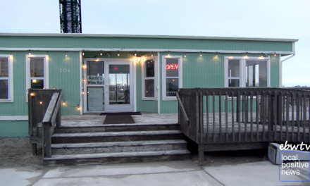Waterfront Wine Bar Ushers in Warm Weather