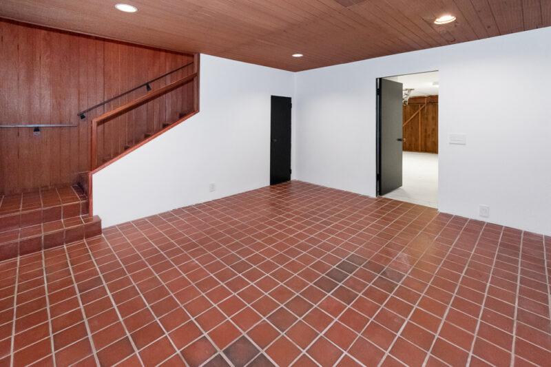2285 N Hobart Blvd 35