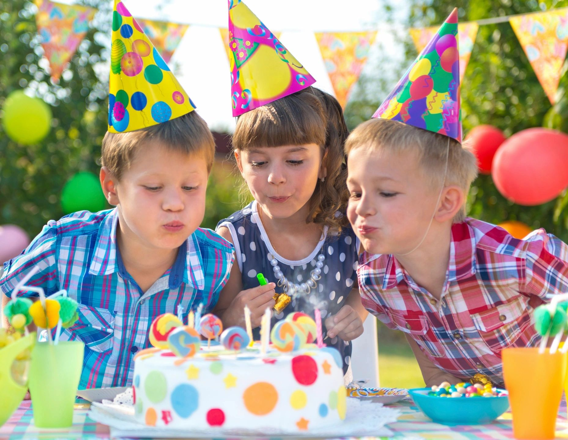 Co-parenting at a child's birthday party