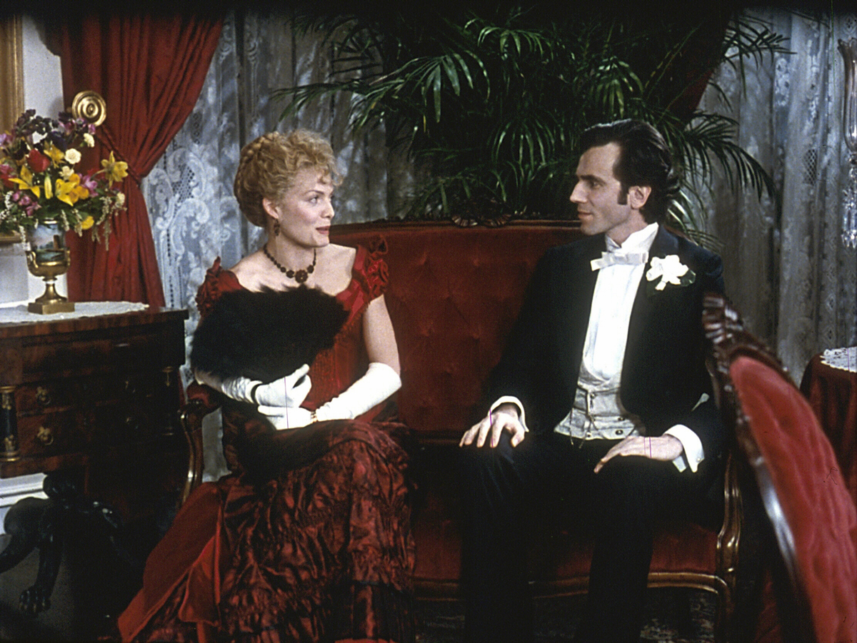 The Age of Innocence (1993) Directed by Martin Scorsese Shown from left: Michelle Pfeiffer, Daniel Day-Lewis