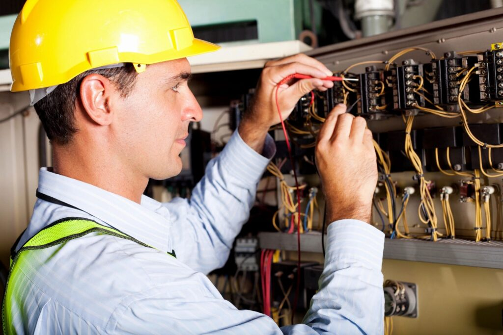 Commercial electric service in Canada