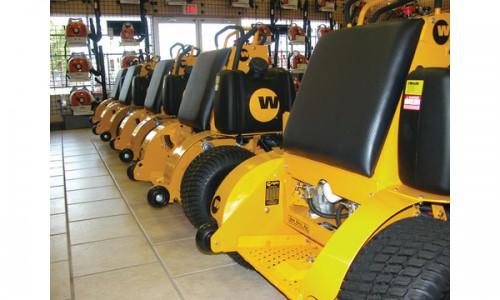 wright-stand-on-mower-platform_10920349