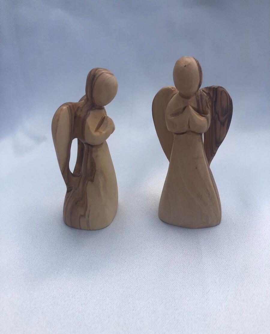 Faceless Standing Angel Statue