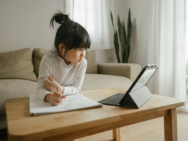 Oregon Families Deserve Choice in Online Learning SB 240 Would Lift the Cap on Online Charter School cm