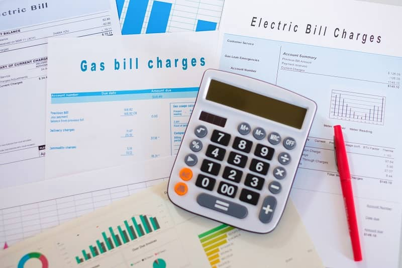 Ratepayers are struggling to pay their utility bills and Kate Brown doesn't care-cm
