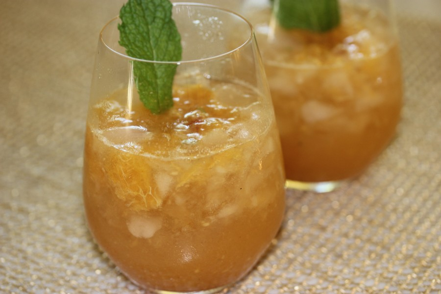 TBT Recipe: Peaches and Bourbon Cocktail for the Summer [in and out of Kentucky]