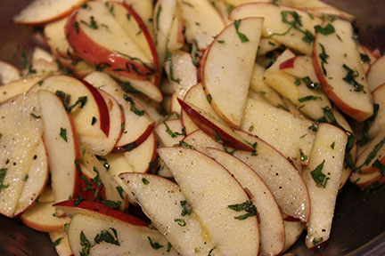 TBT Recipe: Fast Apple and Mint Side Dish