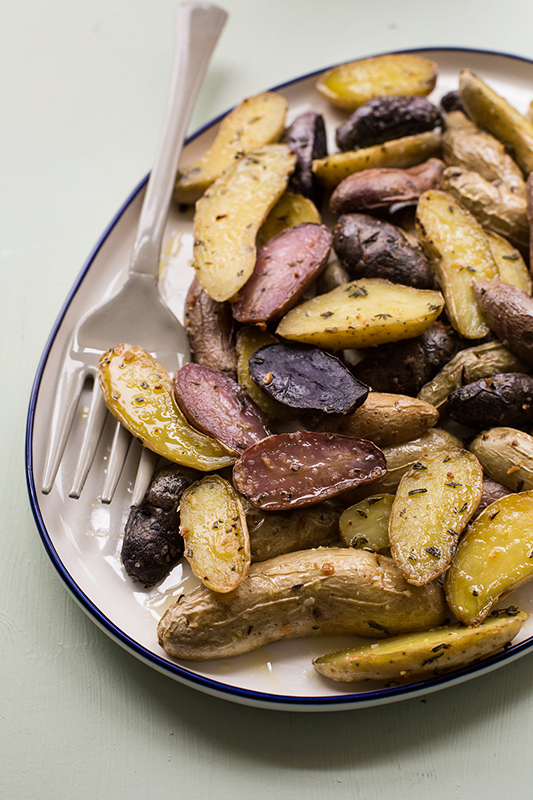 The Ultimate Potato Recipe Roundup l herb roasted fingerling potatoes