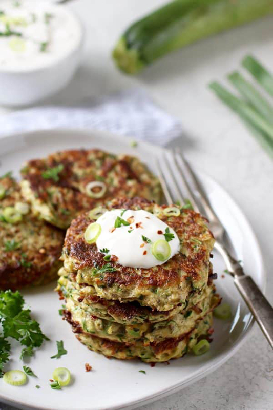 The Best of Whole30 Recipe Roundup l savory zucchini fritters