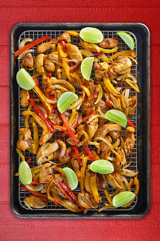 The Best of Whole30 Recipe Roundup l sheet pan chicken fajitas