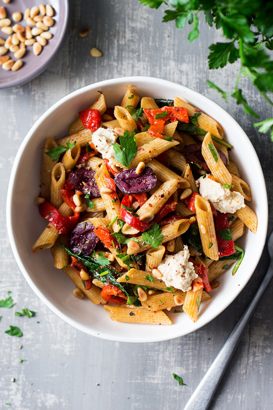 25 delicious ways to spice up National Pepper Month l vegan red pepper pasta