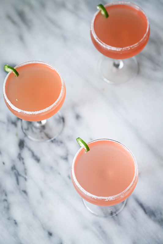 25 delicious ways to spice up National Pepper Month l peach serrano margarita