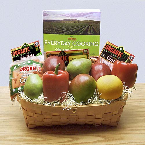 2018 Gift Guide for Food Lovers l everyday organics gift basket