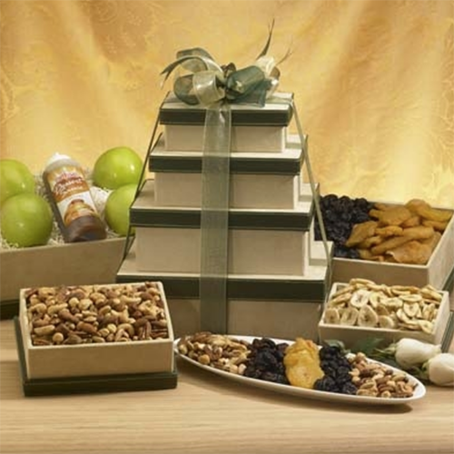 2018 Gift Guide for Food Lovers l tower of delicious delights