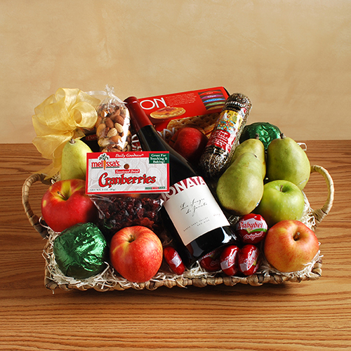 2018 Gift Guide for Food Lovers l https://www.melissas.com/The-Royal-Treatment-Wine-Gift-Basket-p/127.htm