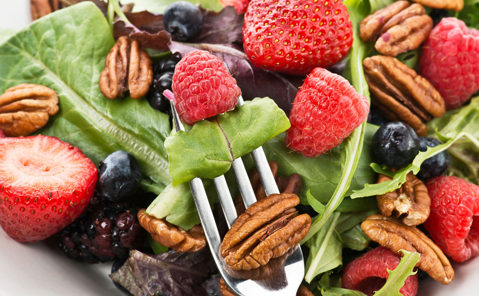 fresh berry salad with pecans