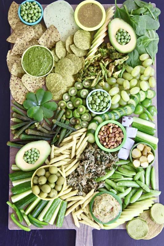 green snack board platter, st. patrick's day, st. patty's day, green food, st. patrick's day recipe, snack platter, food board