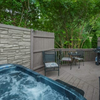 My Roundette ha sa deck - The Cove at Fairview Vacation Rentals - Asheville NC
