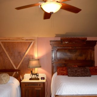 My Place has a Walnut bed- The Cove at Fairview - Vacation Rentals- Asheville, North Carolina