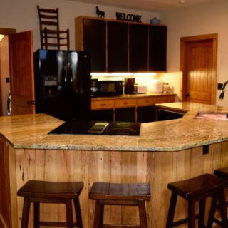 My Place kitchen island - The Cove at Fairview - Vacation Rentals- Asheville, North Carolina