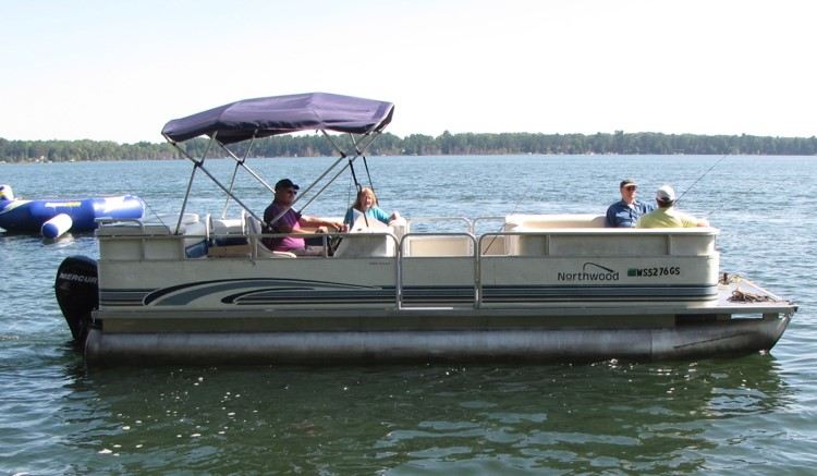 24 ft. deluxe pontoon for large groups & families