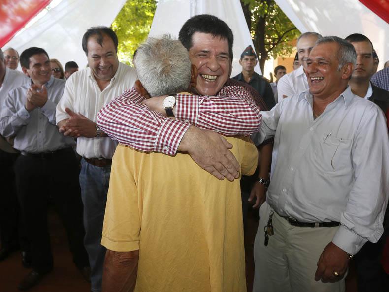 Paraguay: El Presidente Horacio Cartes visita la ciudad de Villa Hayes