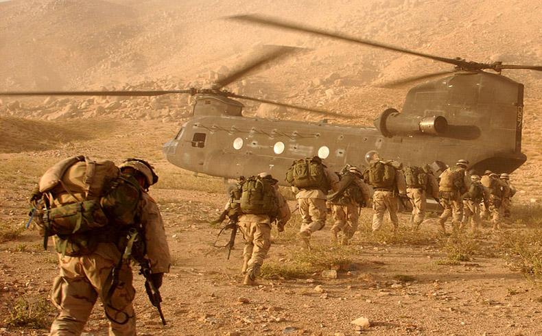 Los militares de EE.UU. analizan su retiro de Afganistán