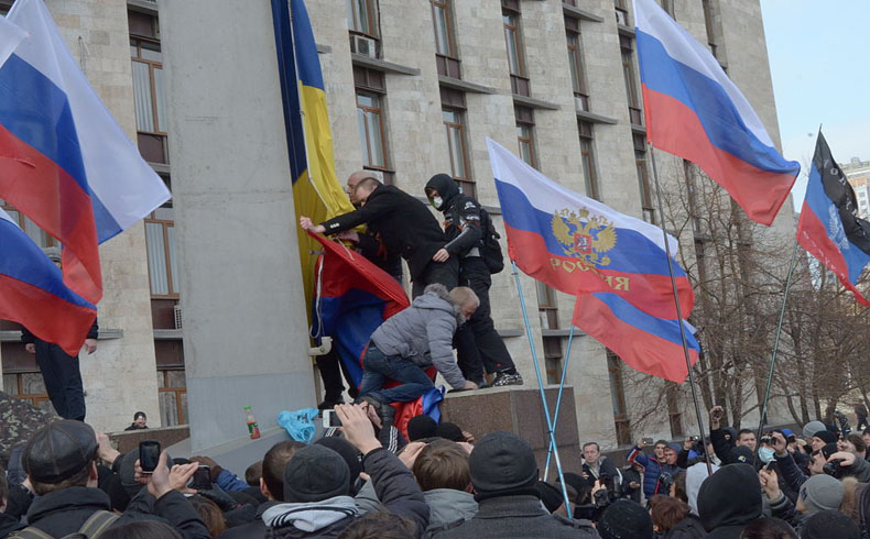 EL viaje de Turchynov a Lituania fue cancelado tras los enfrentamientos en Donetsk y Luhansk