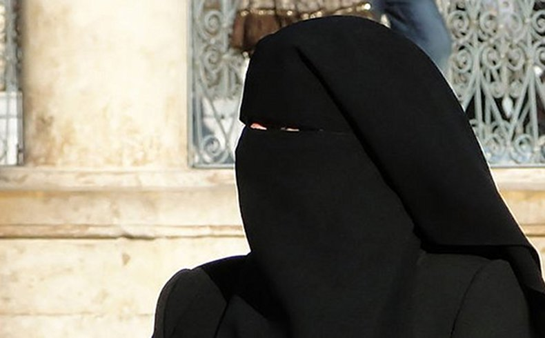 Francia: Sentencia sobre uso de velos que cubren el rostro atenta contra derechos – HRW