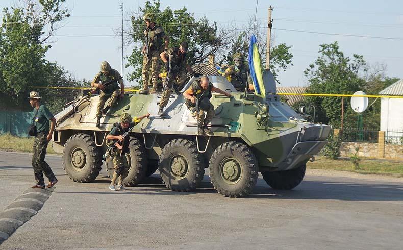 Las tropas ucranianas y los rebeldes comienzan a crear una zona desmilitarizada mientras hay nuevas bajas