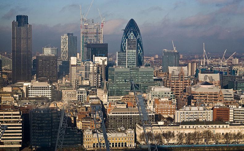 La comisión europea aumentó su previsión de crecimiento del PBI británico